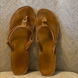 Emu size 8 women's sandal